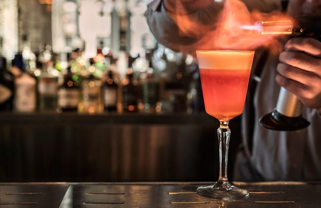 cocktail-pisco-morada-hielo-carbon-650x423.jpg